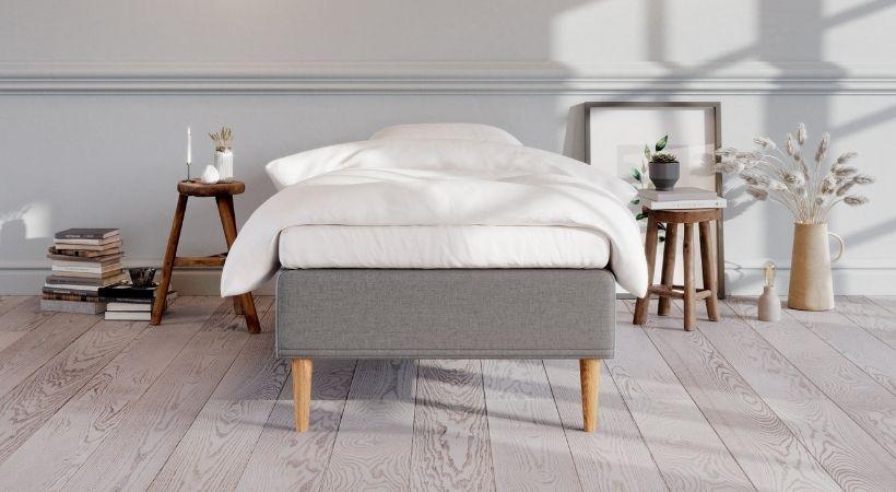 Saga - Billig 90x200 centimeter seng