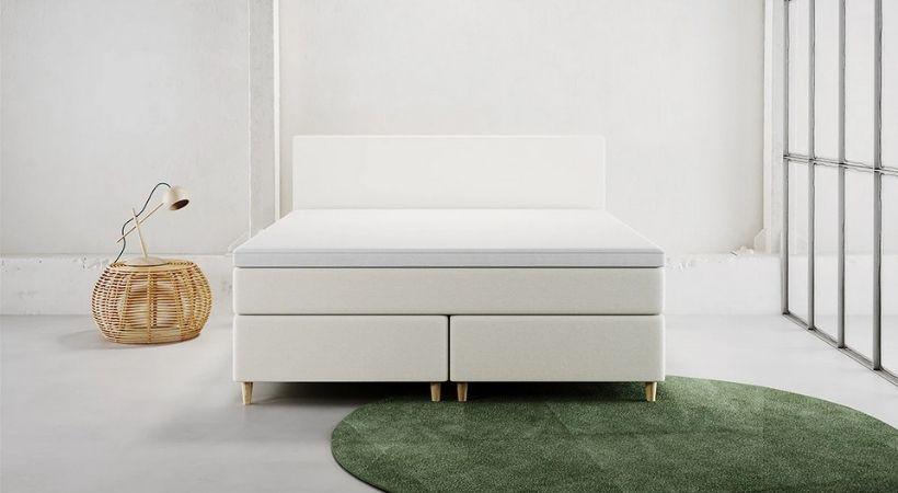 Stockholm - Stilren stor 200x200 seng